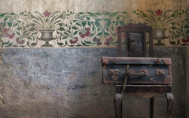 Frise murale baroque ancienne renovation chateau 18eme siecle pochoir a peindre