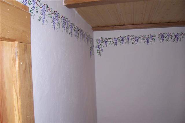 Frise en haut d'un mur